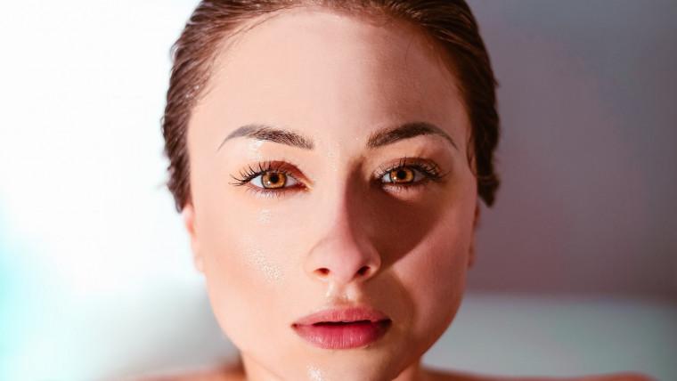 kako zategnuti kožu lica prirodnim putem