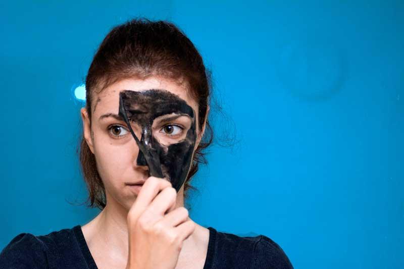 crna peel off maska skidanje