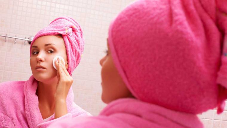 kako pravilno skinuti šminku