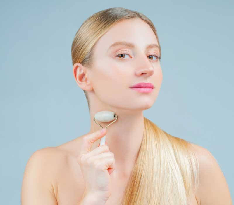 upotreba masažera za lice na vratu