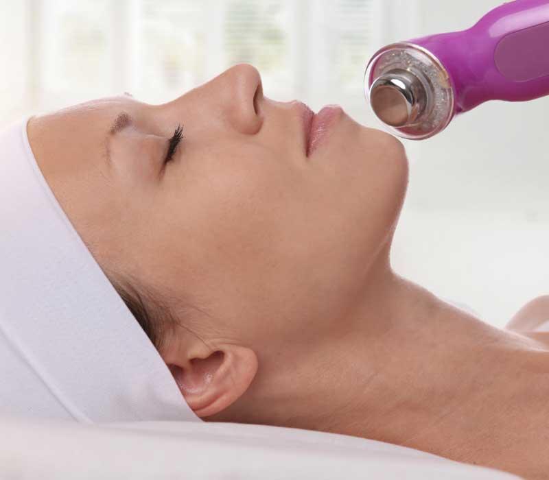 električni masažer za lice