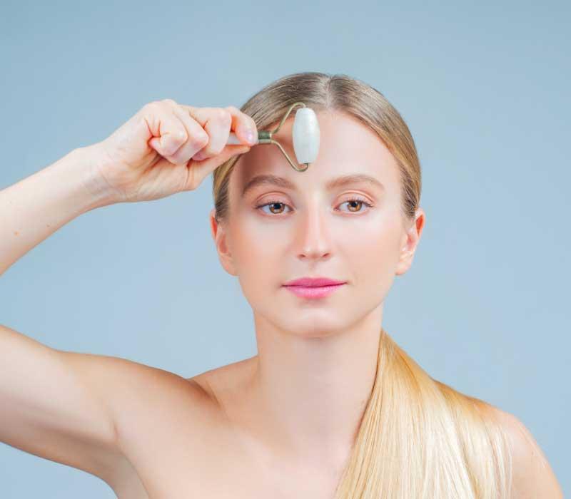 ručni masažer za lice