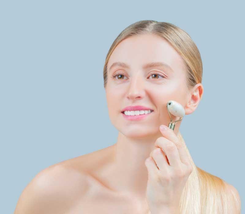 masažer za lice upotreba na obrazima