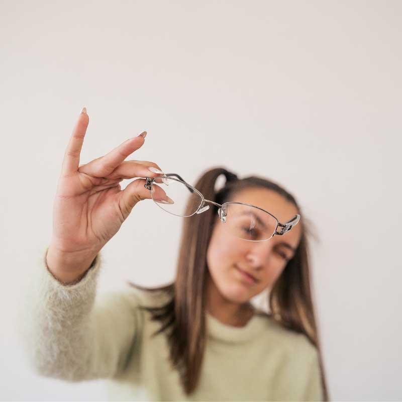 akne od naočara