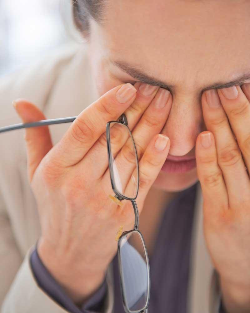 uklanjanje podočnjaka od naočara